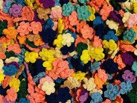 Assorti gehaakte bloemetjes 20 mm (ca. 100 stuks)