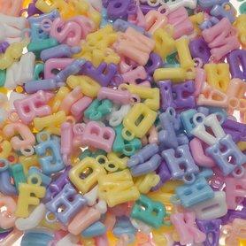 Letter bedels pastel tinten mix ca. 11 mm (ca. 450 stuks)