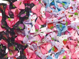 Strikje met aardbeitjes mix kleuren 40x25 mm (ca. 100 stuks)