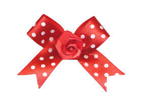 Satijnen strik rood met rood satijnen roosje 45x45 mm (ca. 50 stuks)