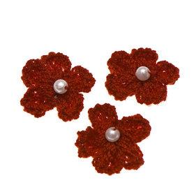 Gehaakt bloemetje bordeaux met pareltje 20 mm (10 stuks)