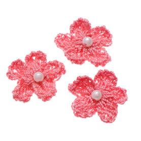 Gehaakt bloemetje oud roze met pareltje 20 mm (10 stuks)