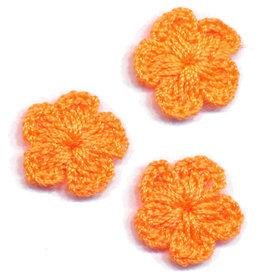 Gehaakt bloemetje oranje 20 mm (10 stuks)