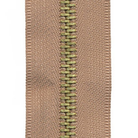 Metalen rits beige/zandkleurig #573 met messing tanden maat 5 (ca. 5 m)