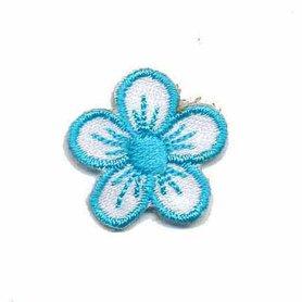 Applicatie bloem wit/lichtblauw klein (10 stuks)