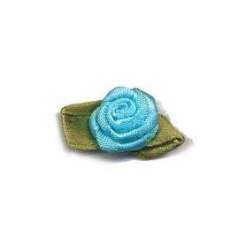Roosje satijn aqua op blad 15 x 25 mm (ca. 25 stuks)