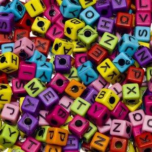 Letterkralen kleurenmix vierkant ca. 5 mm (ca. 350 stuks)