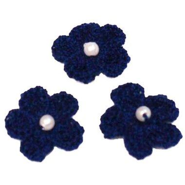 Gehaakt bloemetje kobalt blauw met pareltje 20 mm (10 stuks)