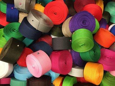 1 kilogram gemixte restjes tassenband (ca. 50 meter)