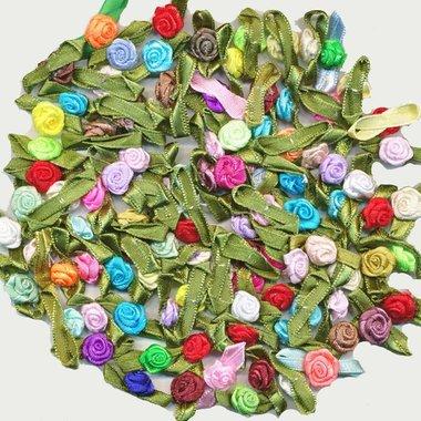 Roosjes satijn op blad 10 x 30 mm MIX kleuren (ca. 100 stuks)