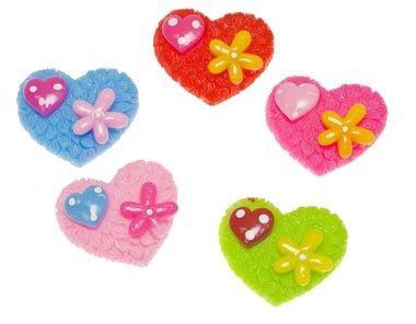Flatback hart met klein bloemetje en hartje MIX kleuren groot 29x26 mm (100 stuks)