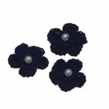 Gehaakt bloemetje donker blauw met pareltje 20 mm (10 stuks)