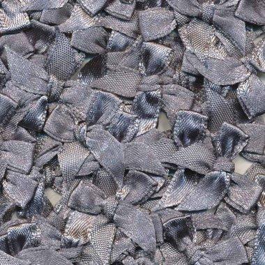 Satijnen strikjes grijs (ca. 100 stuks)