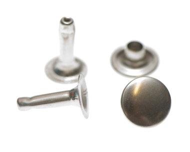 Holniet nikkelkleurig staal 9 mm - lange pin (ca. 1000 sets)