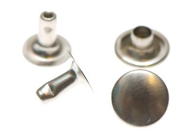Holniet nikkelkleurig staal 9 mm (ca. 1000 sets)