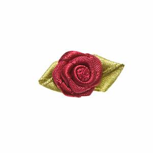 Roosje satijn bordeauxrood op blad 15 x 25 mm (ca. 25 stuks)